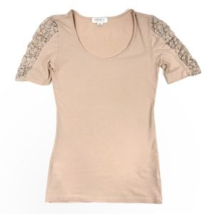 Forever 21 Cream Lace Sleeves 3/4 Stretchy Top